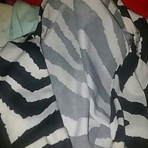 Loter l M l Zebra Printed Top